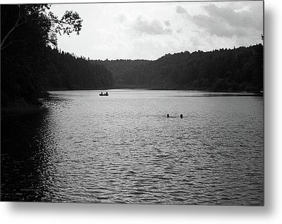 Metal Print featuring the photograph Brookfield, Vt - Swimming Hole Bw 2 by Frank Romeo