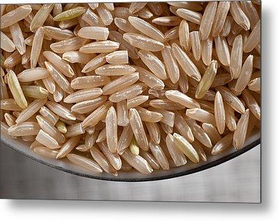 Brown Rice In Bowl Metal Print by Steve Gadomski