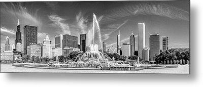 Buckingham Fountain Skyline Panorama Black And White Metal Print