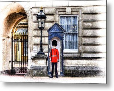 Buckingham Palace Queens Guard Art Metal Print by David Pyatt