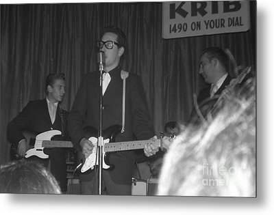 Buddy Holly Onstage At The Surf Ball Room Playing His Last Concert Metal Print