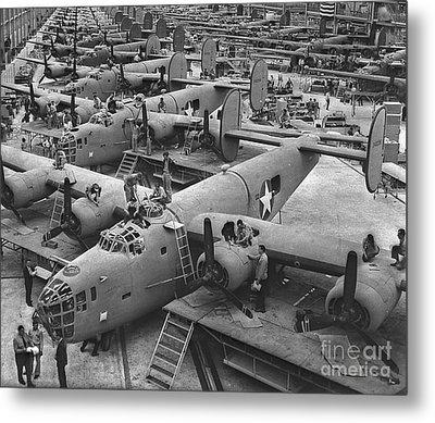 Building The B24 Fleet 1943 Bw Metal Print by Padre Art
