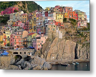 Metal Print featuring the photograph Built On The Slope by Frozen in Time Fine Art Photography