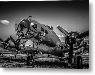 Bw B17 Flying Fortress Metal Print