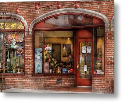 Cafe - Westfield Nj - Tutti Baci Cafe Metal Print by Mike Savad