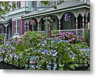 Cape May House And Garden. Metal Print by John Greim