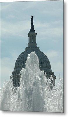 Capital Dome Behind Fountain Metal Print