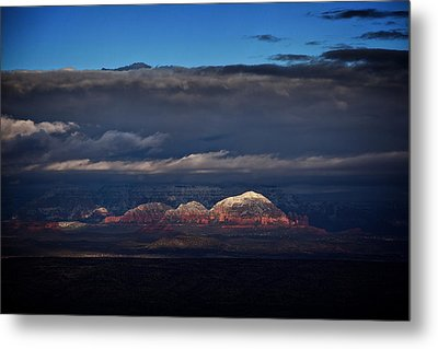 Metal Print featuring the photograph Capitol Butte In Sedona With Snow by Ron Chilston