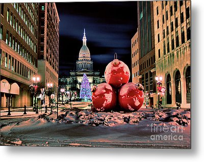 Capitol Christmas Metal Print by Matthew Winn