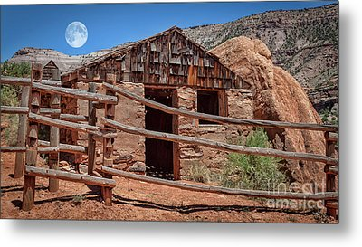 Captain Henry A. Smith's Cabin Metal Print by Janice Rae Pariza
