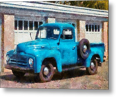 Car - Truck - An International Old Truck Metal Print by Mike Savad