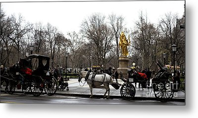 Carriage At The Grand Army Plaza Metal Print