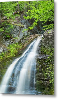 Metal Print featuring the photograph Cascade Waterfalls In South Maine by Ranjay Mitra