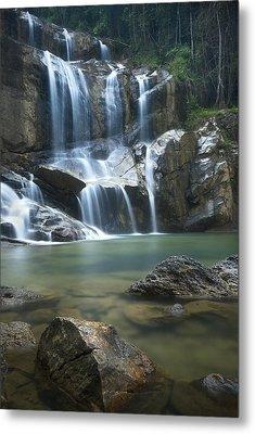 Cascading Waterfalls Metal Print by Ng Hock How