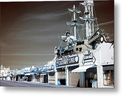 Metal Print featuring the photograph Castaway Cove by John Rizzuto