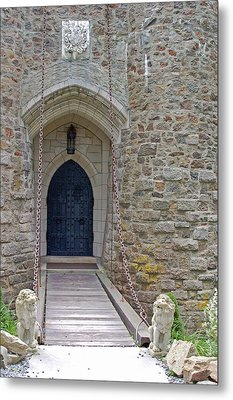 Castle Entrance Metal Print by Suzanne Gaff