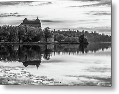 Castle In Black And White Metal Print