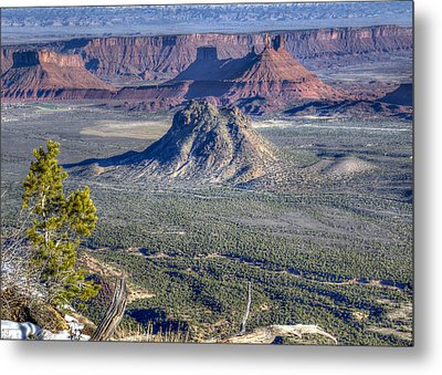 Metal Print featuring the photograph Castle Valley Overlook by Alan Toepfer