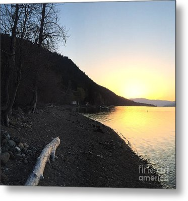 Metal Print featuring the photograph Celista Sunrise 1 by Victor K