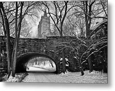 Central Park And The San Remo Building Metal Print by John Farnan