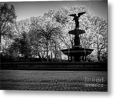 Central Park's Bethesda Fountain - Bw Metal Print
