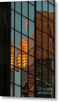 Centrepoint Hiding Metal Print by Werner Padarin