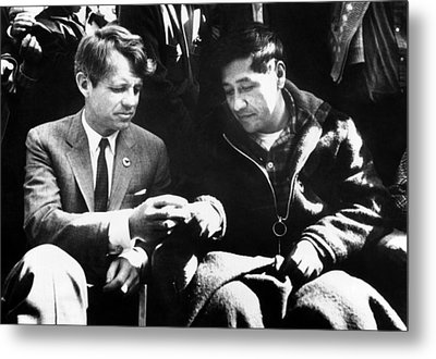 Cesar Chavez Ends His Hunger Strike Metal Print by Everett