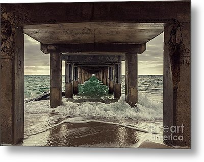 Changing Tides Metal Print by Andrew Paranavitana