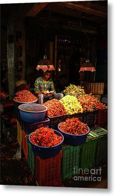 Metal Print featuring the photograph Cheannai Flower Market Colors by Mike Reid