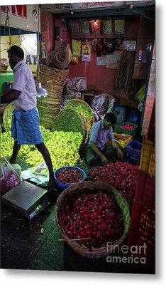 Metal Print featuring the photograph Chennai Flower Market Busy Morning by Mike Reid