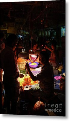 Metal Print featuring the photograph Chennai Flower Market Transaction by Mike Reid