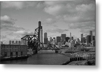 Metal Print featuring the photograph Chicago Skyline 2 by Sheryl Thomas