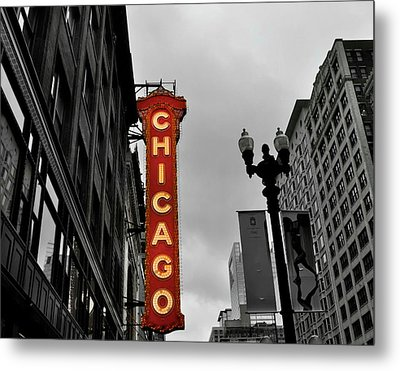 Metal Print featuring the photograph Chicago Theater In Black And White by Sheryl Thomas