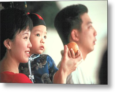Metal Print featuring the photograph Chinese Family by Douglas Pike