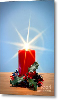 Christmas Candle With Starburst And Holly. Metal Print by Richard Thomas