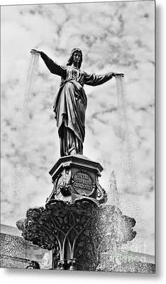 Cincinnati Fountain Tyler Davidson Genius Of Water Statue Metal Print