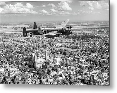 Metal Print featuring the photograph City Of Lincoln Vn-t Over The City Of Lincoln Bw Version by Gary Eason