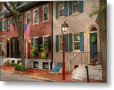 Metal Print featuring the photograph City - Pa Philadelphia - American Townhouse by Mike Savad