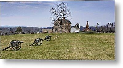 Civil War Cannons And Henry House At Manassas Battlefield Park - Virginia Metal Print by Brendan Reals