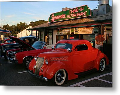 Metal Print featuring the photograph Classic Red Car In Front Of The Sycamore by Polly Castor