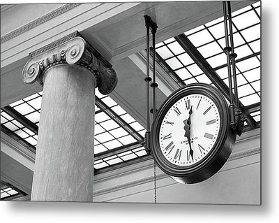 Clock And Column In Saint Paul Union Depot Metal Print by Jim Hughes