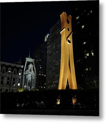 Clothespin At Night - Philadelphia Metal Print by Rona Black