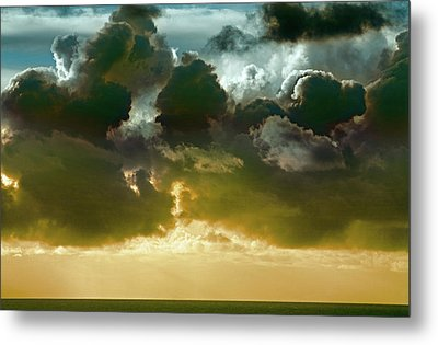 Clouds Over El Pacifico Metal Print by Daniel Furon