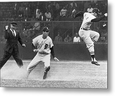 Colavito And Aparicio Metal Print by Underwood Archives