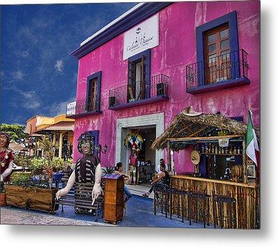 Colorful Cancun Metal Print by Douglas Barnard