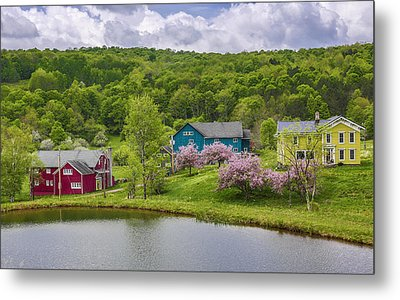 Metal Print featuring the photograph Colorful Mountain Homes by Paula Porterfield-Izzo
