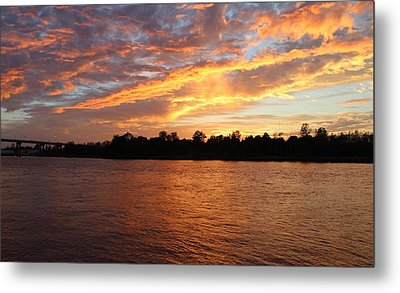 Metal Print featuring the photograph Colorful Sky At Sunset by Cynthia Guinn