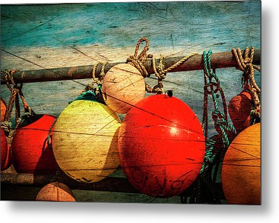 Colourful Fenders In A Distressed State. Metal Print by Paul Cullen