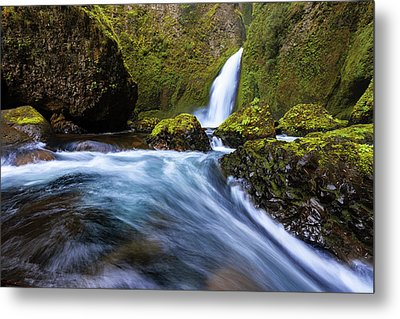 Metal Print featuring the photograph Columbia Cascade by Mike Lang