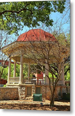 Comal County Gazebo In Main Plaza Metal Print by Judy Vincent